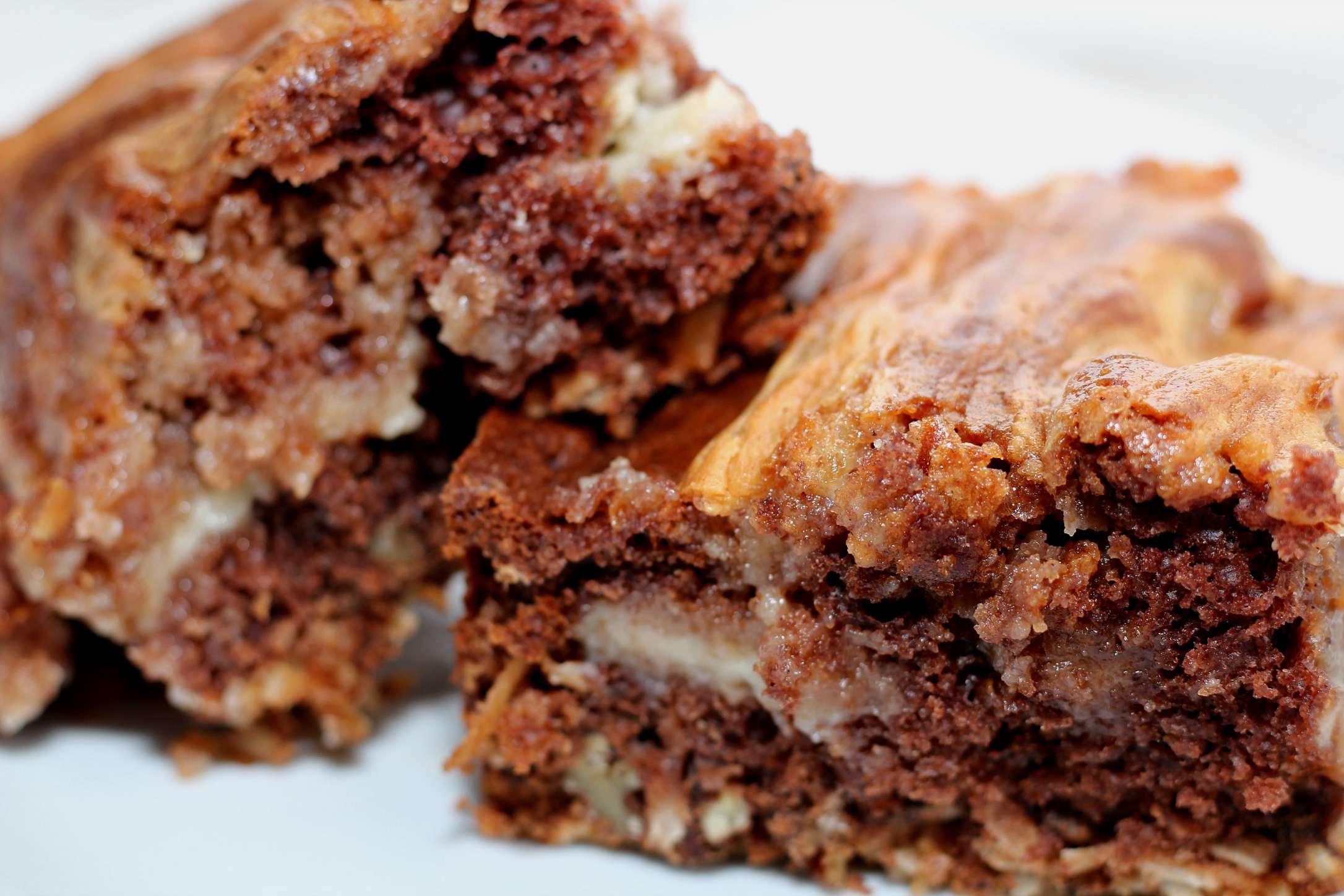 Easy German Chocolate Cheesecake Bars