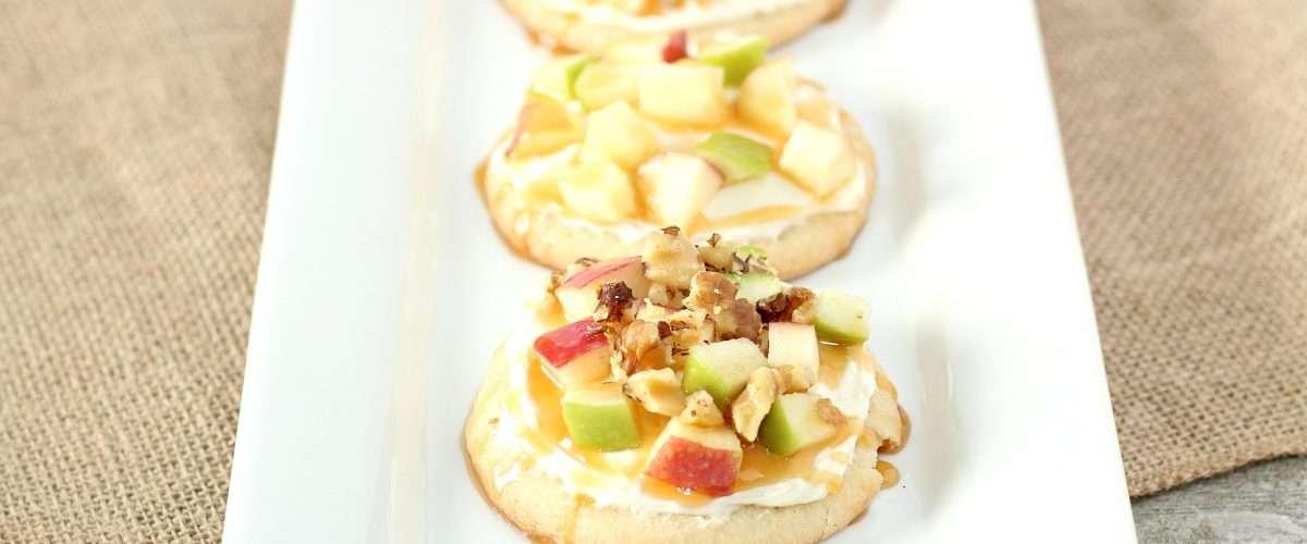 5 Step Caramel Apple Mini Fruit Pies