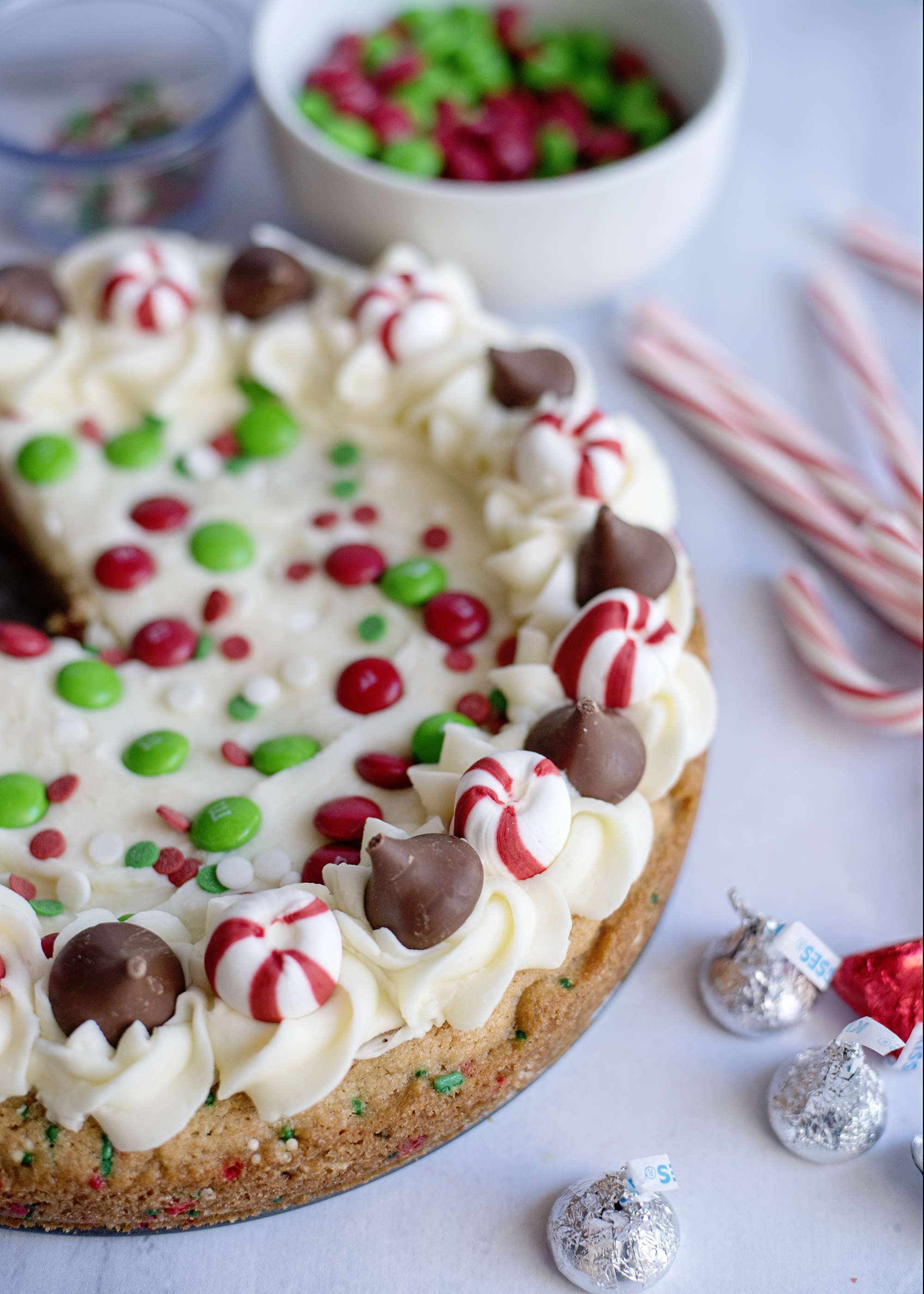 The Easiest Christmas Cookie Cake Ever