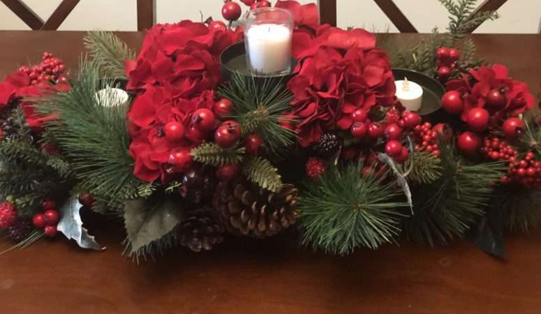 3 Areas In Your Home You MUST Decorate For Christmas