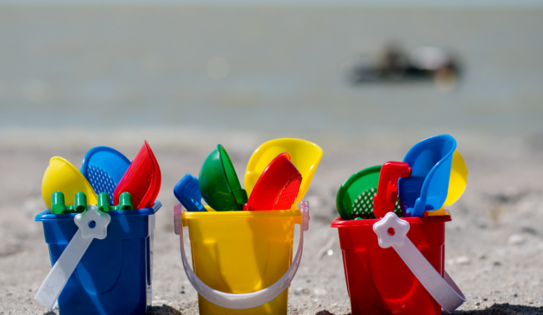The 15 Best Beach Toys For Toddlers