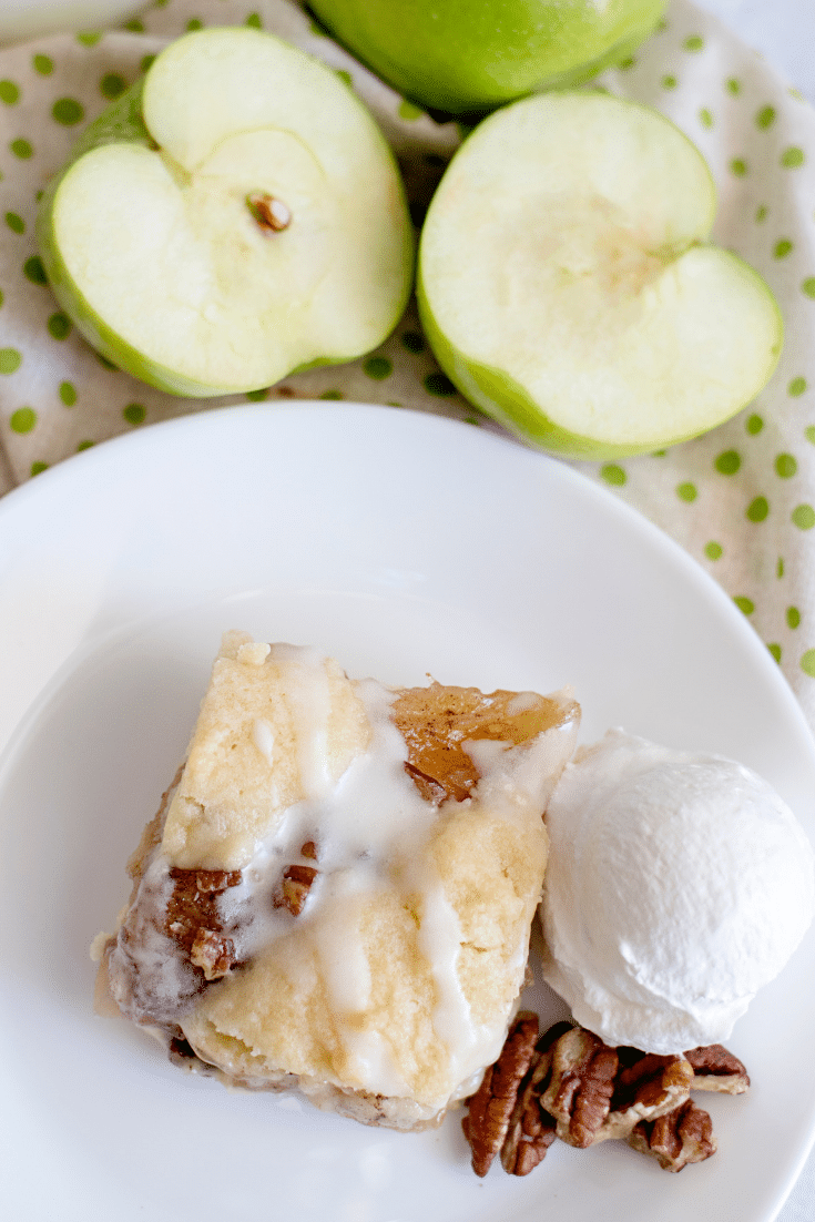 apple pecan pie bar with ice cream