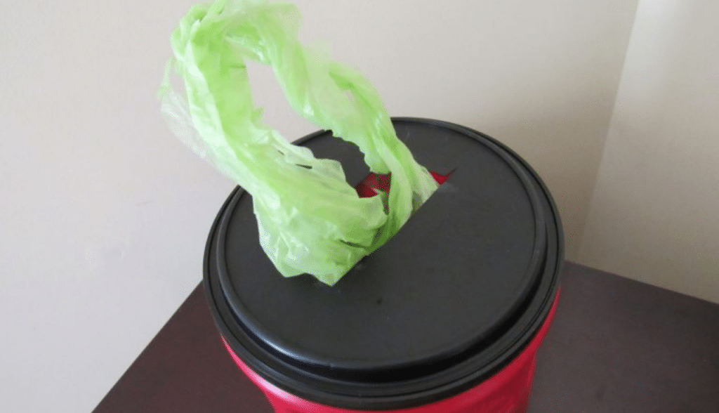 plastic coffee can holder