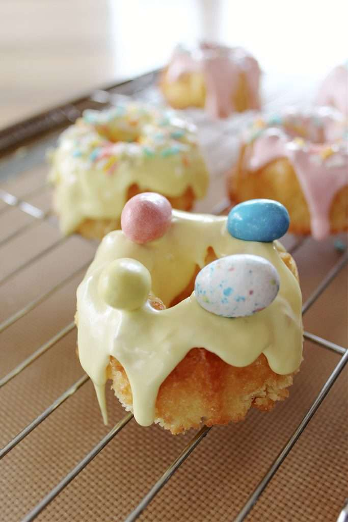 Easter mini bundt cake recipe with chocolate Easter eggs