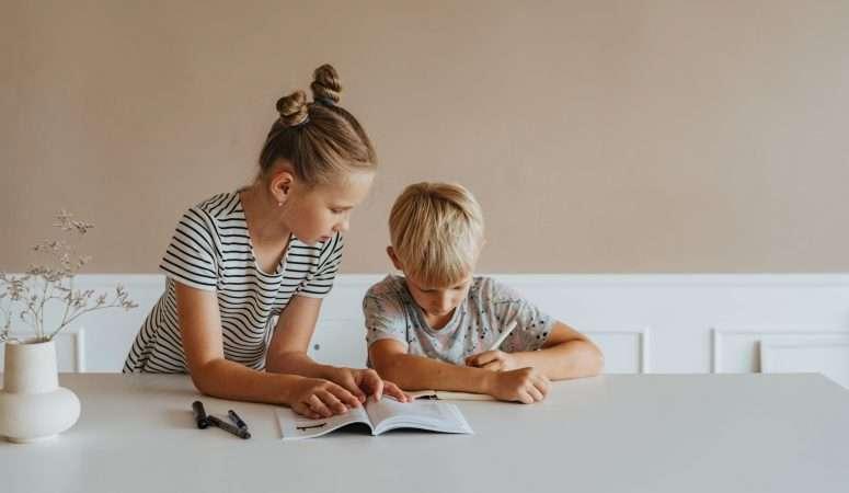 How to Set Up a Kindergarten Schedule for Homeschooling